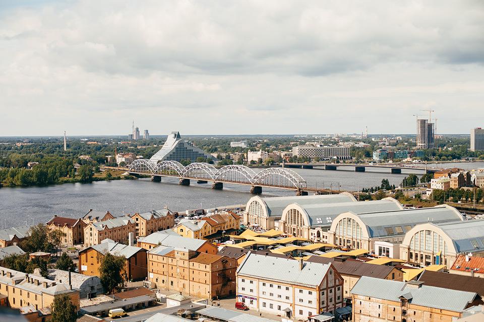 Kāzu Rīgā - Zinātņu akademijas skatu laukums