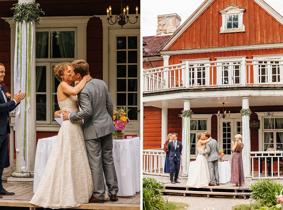 Laulību ceremonija ārā