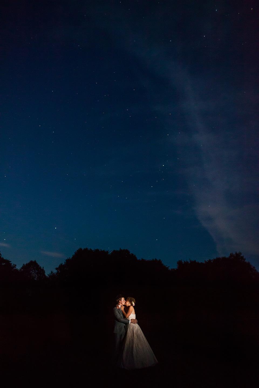 Kāzu fotosesija naktī