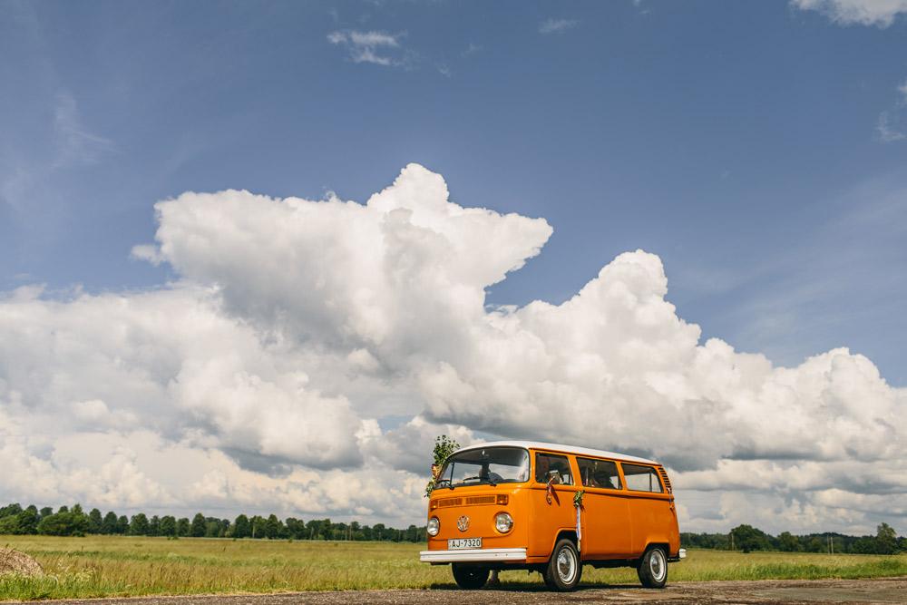 Lielisks kāzu auto Volkswagen T2 bussiņš