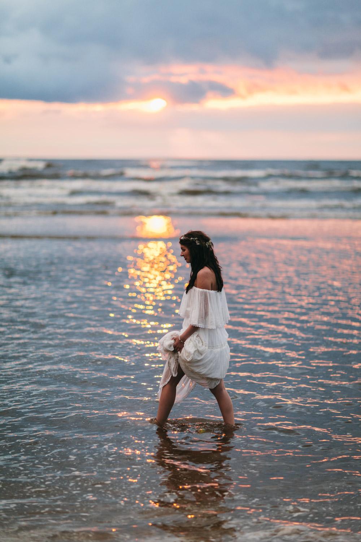 Fotosesija pie jūras