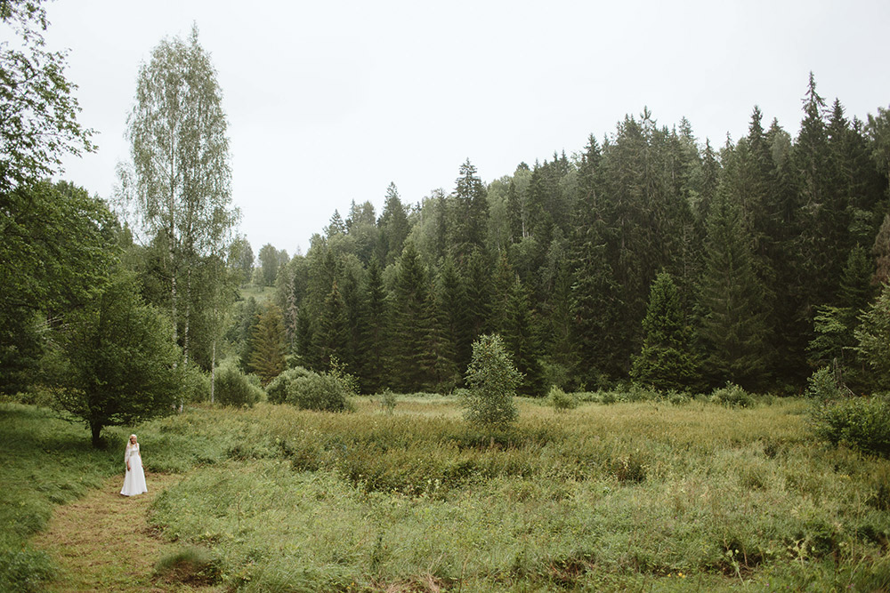 1-forest-wedding-in-Latvia