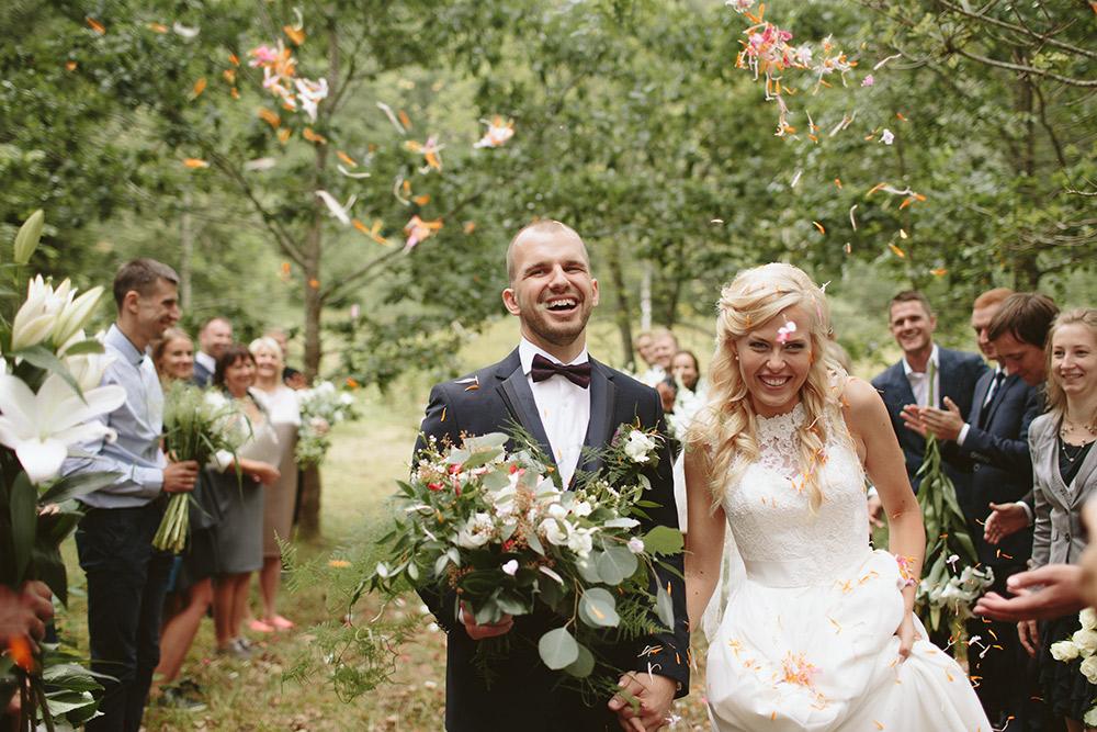 6-wedding-in-wild-forest