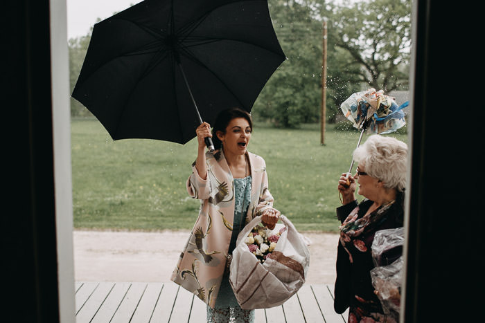 Lietus kāzu dienā