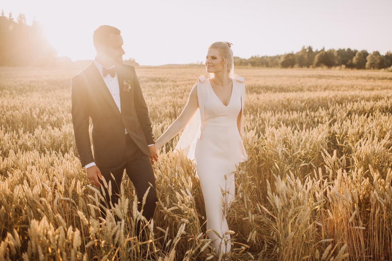saulrieta kāzu fotosesija