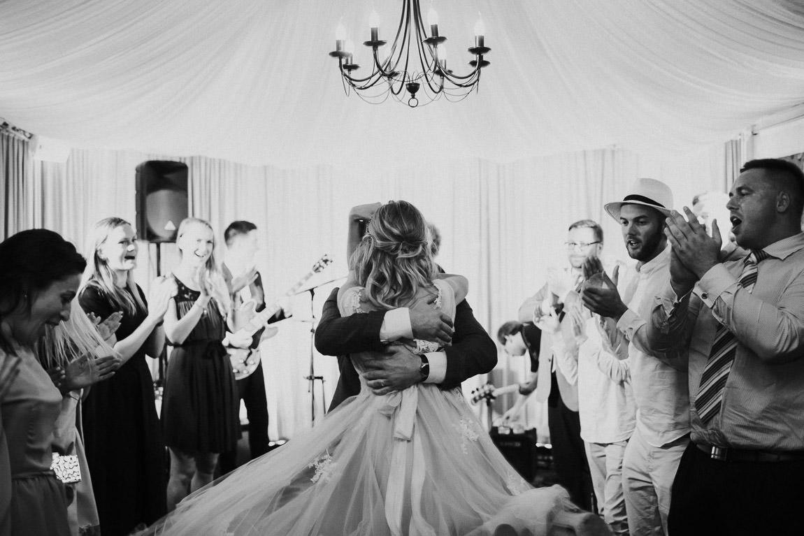 Deja kāzās