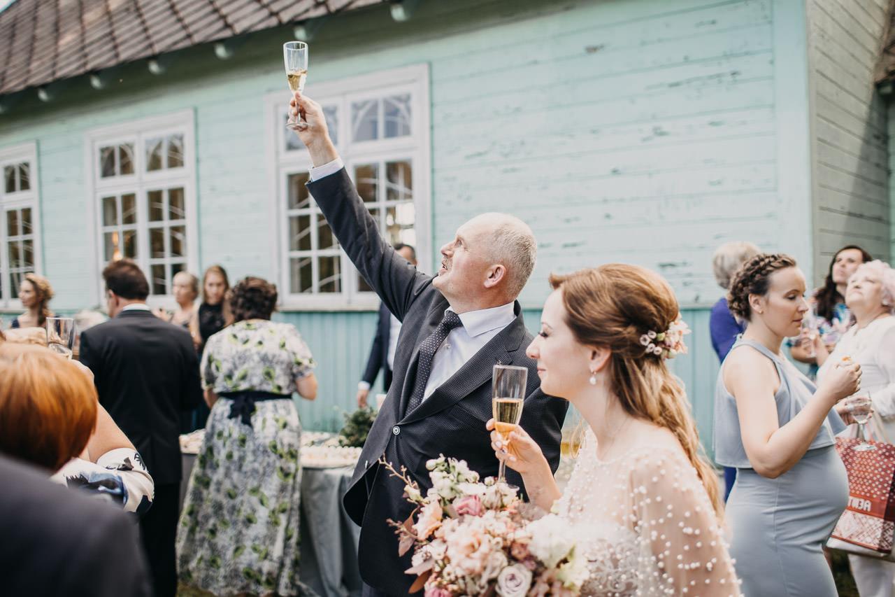 Tosti kāzās
