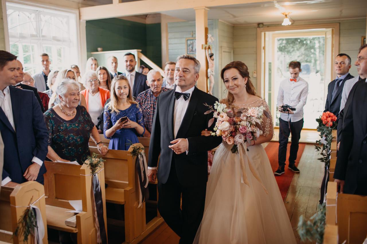 ceremonija baznīcā