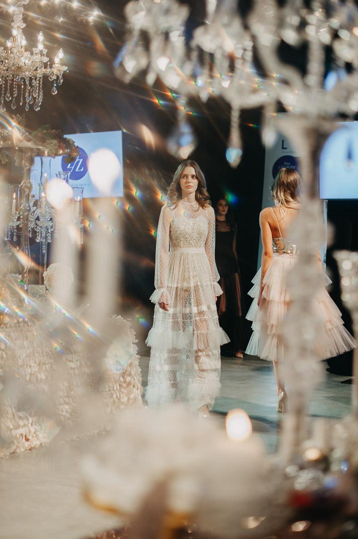 Zane Zaharova kāzu kleitas