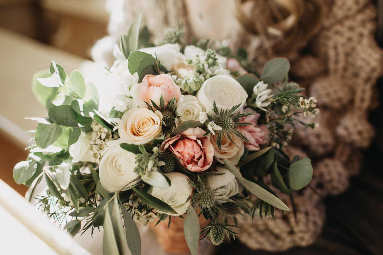 Pienene art - kāzu ziedi Linda Laurīte