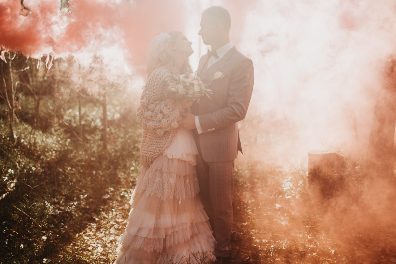 Dūmusesija kāzās