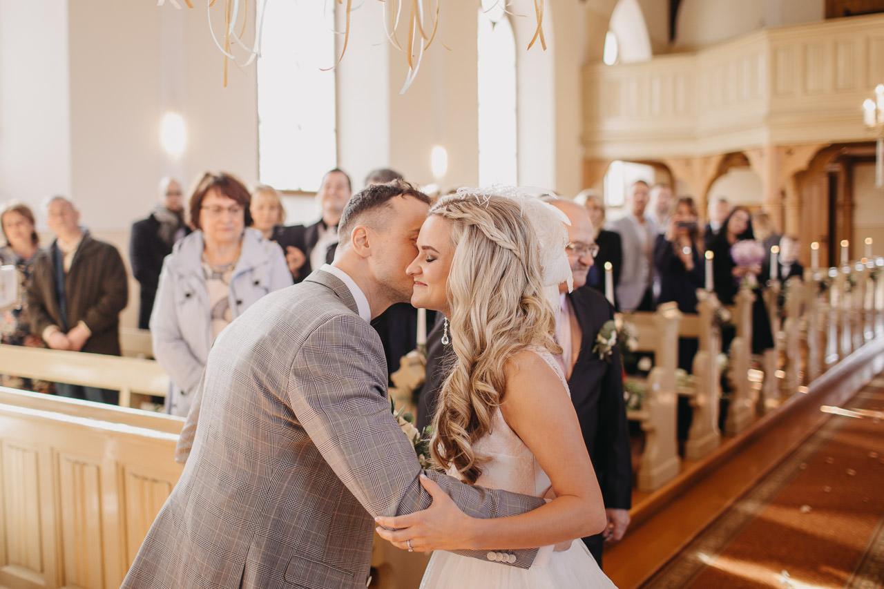 Satikšanās kāzu dienā